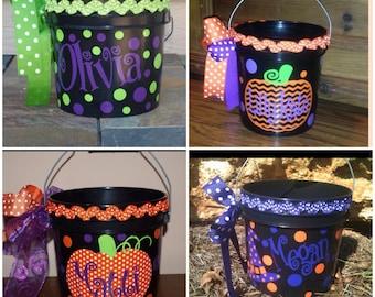 Halloween pail w/ ribbon