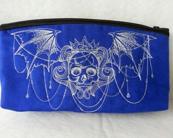 toiletry bag, utility pouch *** Gothic Crest ***