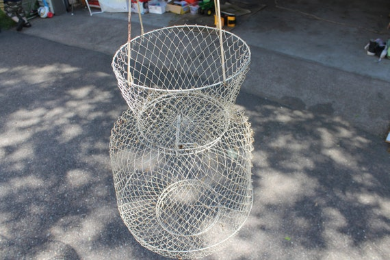 Vintage fish basket wire basket metal fish by uglysnapdragons for Fish wire basket