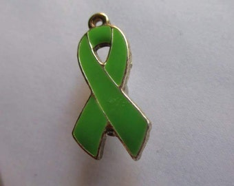 green cancer ribbon awareness magnet needleminder