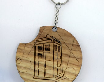 Police Call box with Gallifreyan script keychain (Ash)