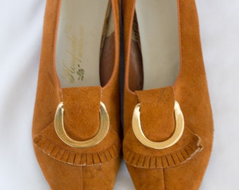 1960s or 70s burnt orange pointed toe suede flats SIZE 7 1/2 or 8