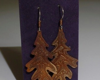 Etched copper oak leaf earrings