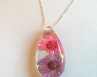 Real dried flower resin pendant