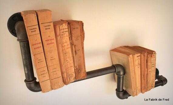 etag re biblioth que industrielle vintage en tuyau de. Black Bedroom Furniture Sets. Home Design Ideas