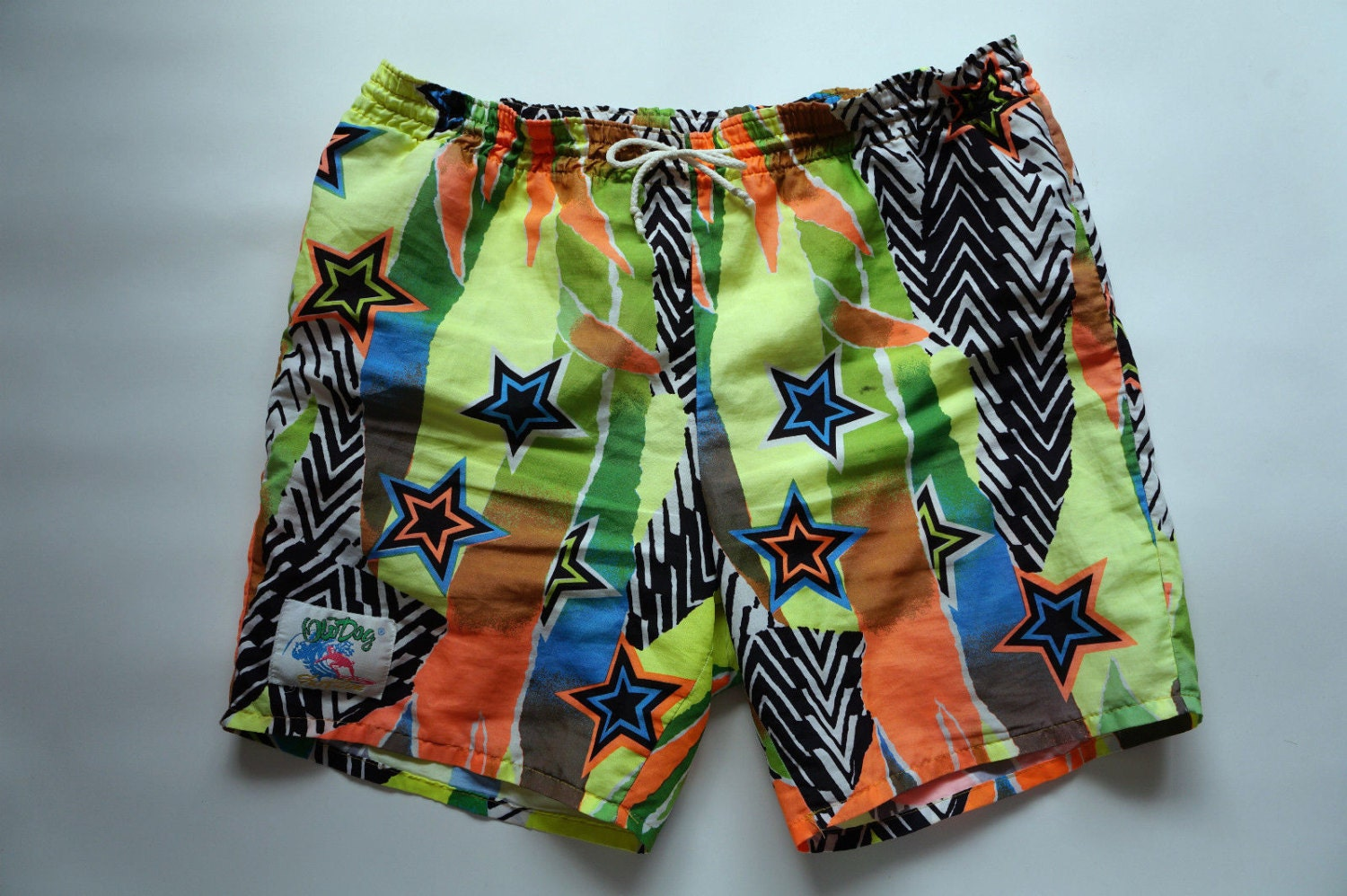 1980 s bright green amp yellow graphic abstract star print surf