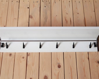 Fifties Towel Rack With Chrome Details