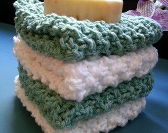 Set of four fluffy bath cloths