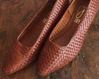 vintage woven heels | size 7