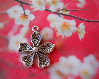 5 Flower pendants Silver flower charms Swirls Forget me not charms Flower earrings Flower necklace charms Flower Silver Jewelry supplies DIY