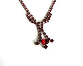 red rhinestone necklace . vintage costume jewelry