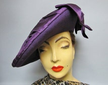 Amazing PURPLE Wool and Pleated SATIN with Bow Vintage 1940's UPSTANDING Beret Hat