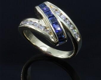 Vintage!!  Blue Sapphire and Diamond Zig Zag Ring