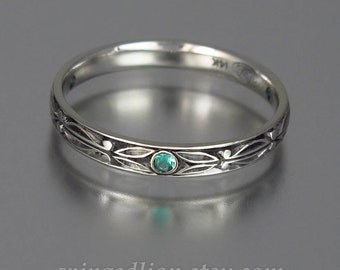 AUGUSTIN 14k gold mens unisex wedding band with Emerald accents