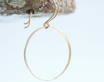 Simple Gold Earrings, Hammered Circle Earrings, Gold Fill Earrings, Gold Dangle Earrings, Everyday Earrings, Geometric Jewelry, Gold Jewelry