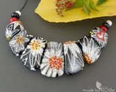 Handmade lampwork beads set   |   Love White Flowers  |  artisan glass  |  jewelry  |    necklace beads  | SRA   |   made by Silke Buechler