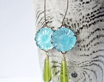 Sunny Day-sies - Vintage Glass Earrings in Turquoise and Green