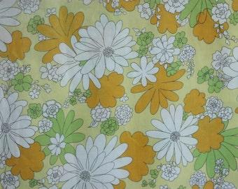 Vintage Twin Flat Sheet, Flower Power Sheet, Yellow Daisy Sheet, Groovy Bed Sheet, Retro Sheet