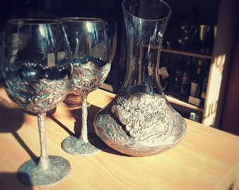 Handmade decanter with two glasses