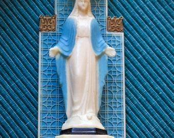 Vintage VIRGIN MARY Plastic Shrine-- Wonderfully well loved