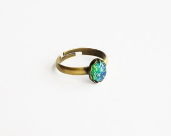 Tiny Emerald Stacking Ring Vintage Green Opal Ring Small Green Ring Iridescent Green Glass Ring Green Opal Jewelry Adjustable Ring