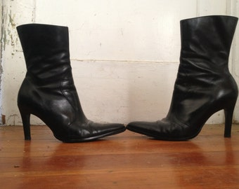 WITCH BOOTS 8 black leather pointed toe witchy gothic western high heels sleek mid ankle