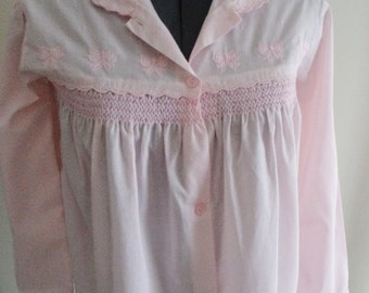 INCREDIBLE bed jacket, vintage bed jacket, pink bed jacket, smocking embroidery, feminine pretty, long sleeve bed jacket