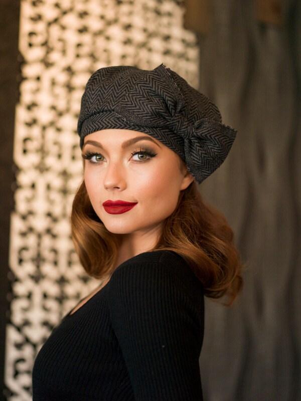 Beret hat bow grey black chevron striped wool beret french for French striped shirt and beret