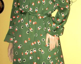 70s Print Dress.  70s Polyester Print Dress. Seventies Green Print Dress.  Zip up Dress. 1970s Midi Print Dress.