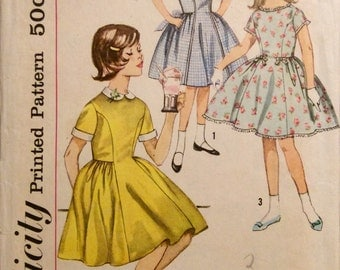 Vintage Sewing Pattern 1960s Girls Dress Detachable Collar and Cuffs Size 8 Full Skirt