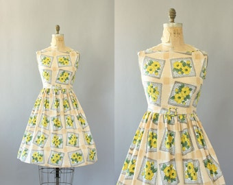 Vintage 50s Dress/ 1950s Cotton Dress/ Cream Polished Cotton Dress w/ Yellow Floral Print & Belt L