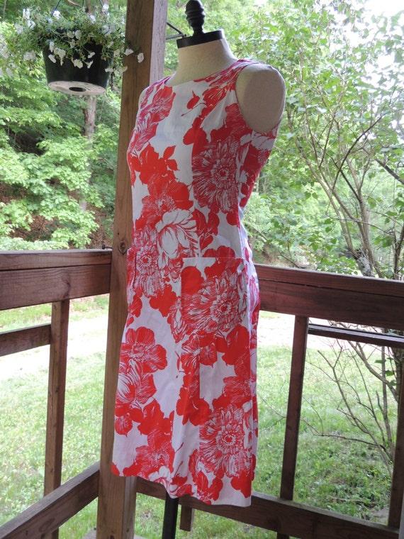 1960s Floral Shift Dress by Haymaker / Summer Dress / Sleeveless Dress / Red Dress / Cotton Dress / Womens Dress / Size 12 Dress