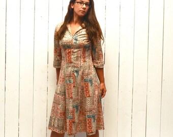 Boho Hippie Dress 1960s Zip Up Midi Length Three Quarter Sleeve Vintage Dress Small Medium