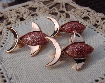 Fishy Trio Goldstone Three Fish Scatter Pins Brooches