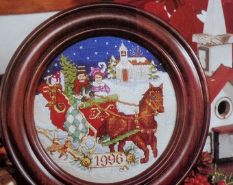 Cross Stitch Pattern SLEIGH CHRISTMAS PLATE 1996 By Barbara Sestok - fam