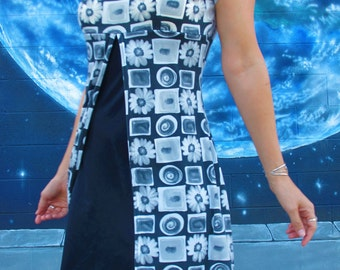 1990s Digital Photo DRESS Grayscale Print does 1960s Mod Grunge Daisy Spiral OP Art // Small / Medium / Large