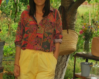 Colorful Pattern Print Shirt VINTAGE 80s womens shirt