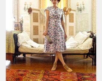 Vintage 1950s Hydrangea Print Dress . Cotton Shirt Dress . Fifties Day Dress . Size Medium