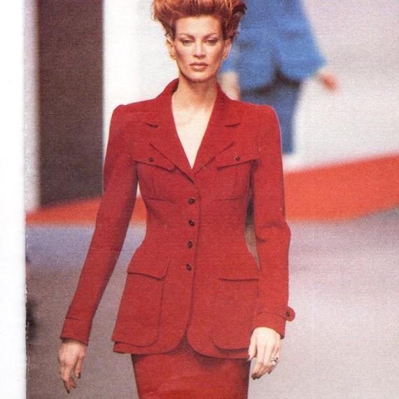 Lagerfeld suit pattern Vogue 1719 detail w/ Kristen McMenamy