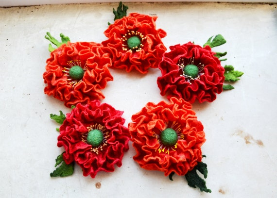 Felt flower brooch/ red Poppy Wool Felt Jewelry/ gift idea for her / summer fashion / Weddings/