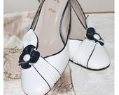 Classic navy and white leather slingback shoes UK 6, 39. US 8, 8 1/2
