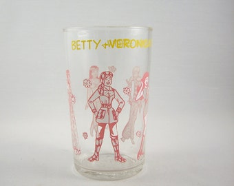 Vintage Archie Comics Betty and Veronica Fashion Show Glass 1970s
