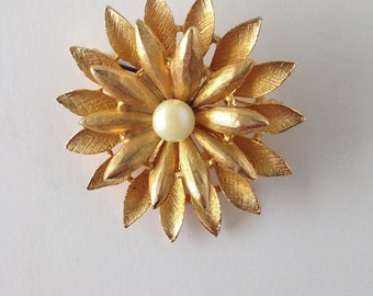 Vintage Gold tone Flower BSK Brooch with Faux Pearl, Vintage Brooch, Vintage Jewelry, BSK Jewelry