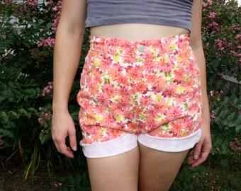 90s High Waisted Daisy Shorts