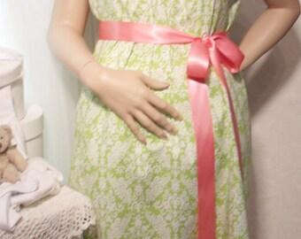 Medium maternity hospital labor delivery nursing gown