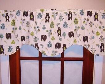 Valance, Bears, Shaped Valance, Window Curtain Valance, Shaped Valance, Scalloped Woodland Nursery Valance, Retro Bears