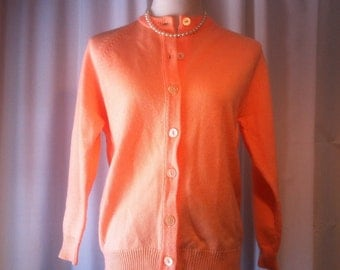 MOVING SALE - 1980s Northern Isles Peach Acrylic Sweater Cardigan, Large