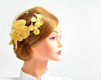 Yellow fascinator  Wedding headpiece Bridal hair clip Flower headpiece Wedding fascinator Wedding hair flower