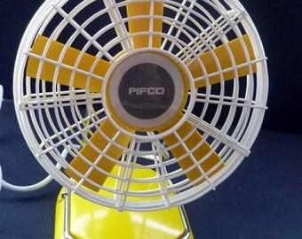 Fantastic Sunshine Yellow & White Plastic Vintage Pifco Electric Desk Fan 1960s / 1970s