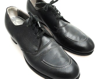 ON SALE! 1940s Black leather round toe lace up oxford shoes size 6.5